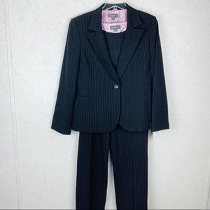 Liz Claiborne 3 piece dotted pinstripe suit set